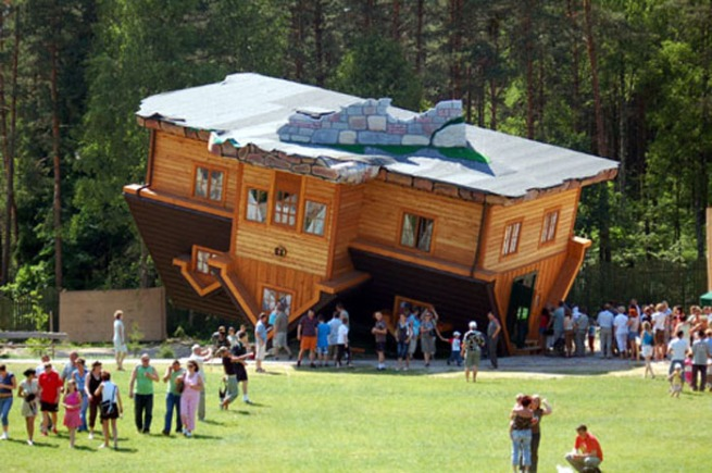 upside-down-house-poland-1